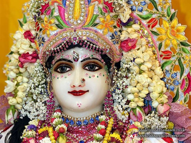 Sri Radha Close up Wallpaper (024)