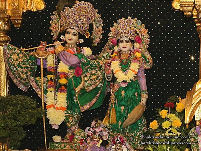 Sri Sri Radha Gokulananda Wallpaper (005)
