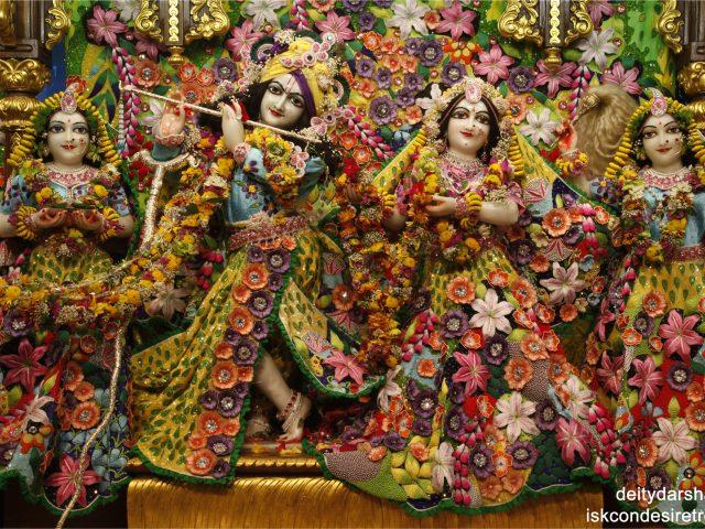 Sri Sri Radha Gopinath Lalita Vishakha Wallpaper (021) Size 2560×1600 Download