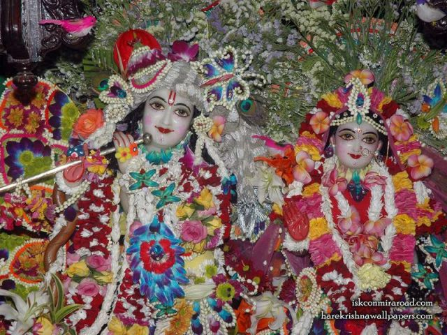 Sri Sri Radha Giridhari Close up Wallpaper (026)