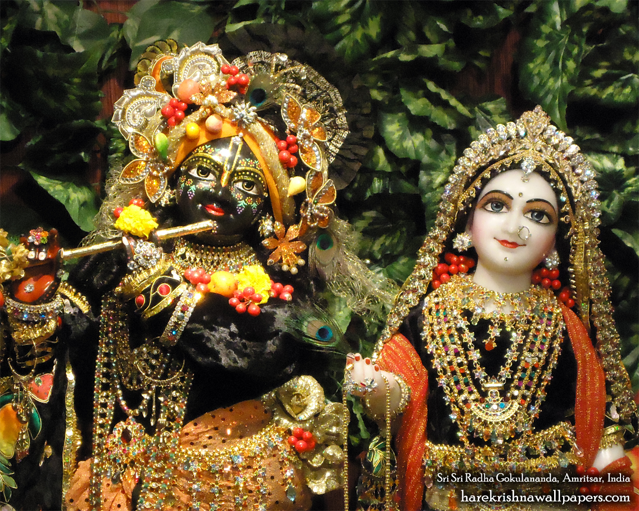 Sri Sri Radha Gokulananda Close up Wallpaper (004) Size 1280x1024 Download