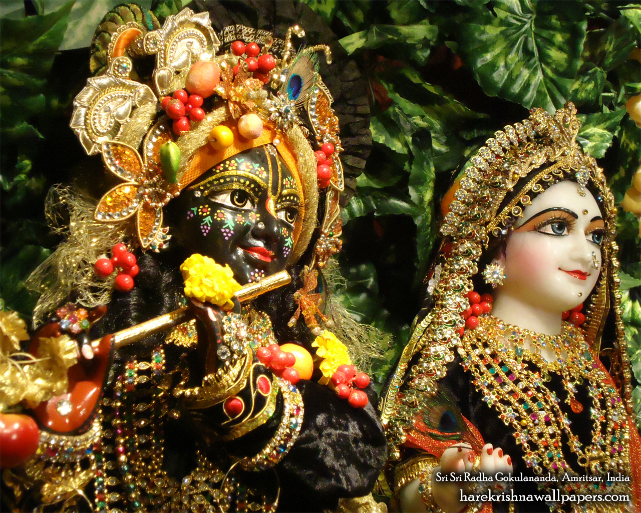 Sri Sri Radha Gokulananda Close up Wallpaper (005) Size 1280x1024 Download