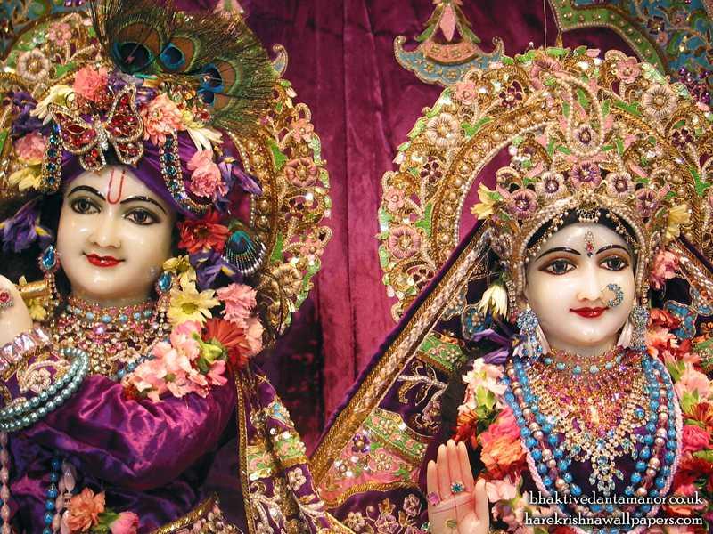 Sri Sri Radha Gokulanand Close up Wallpaper (002)