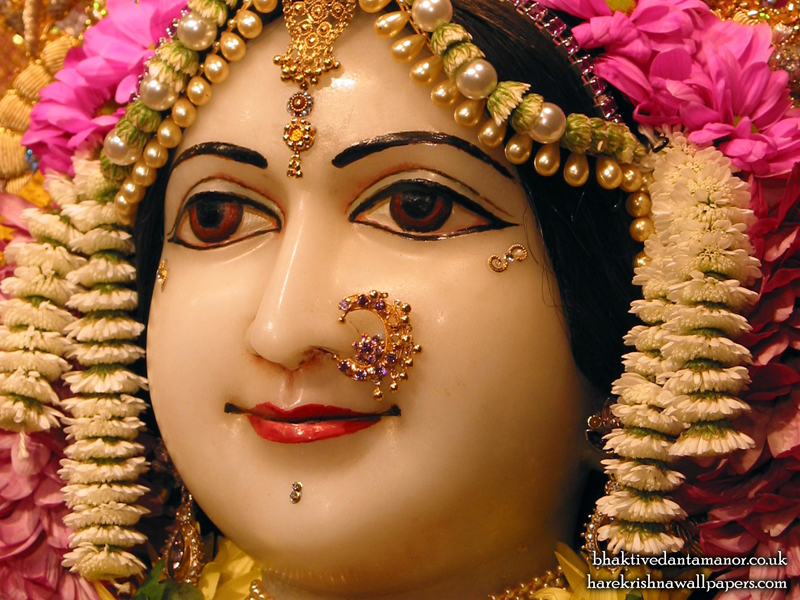 Sri Sita Close up Wallpaper (004)