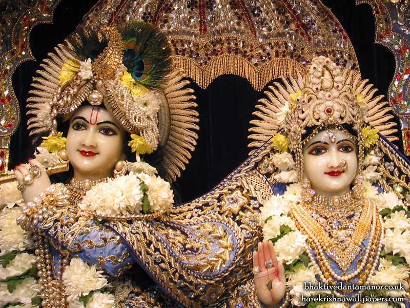 Sri Sri Radha Gokulanand Close up Wallpaper (005)