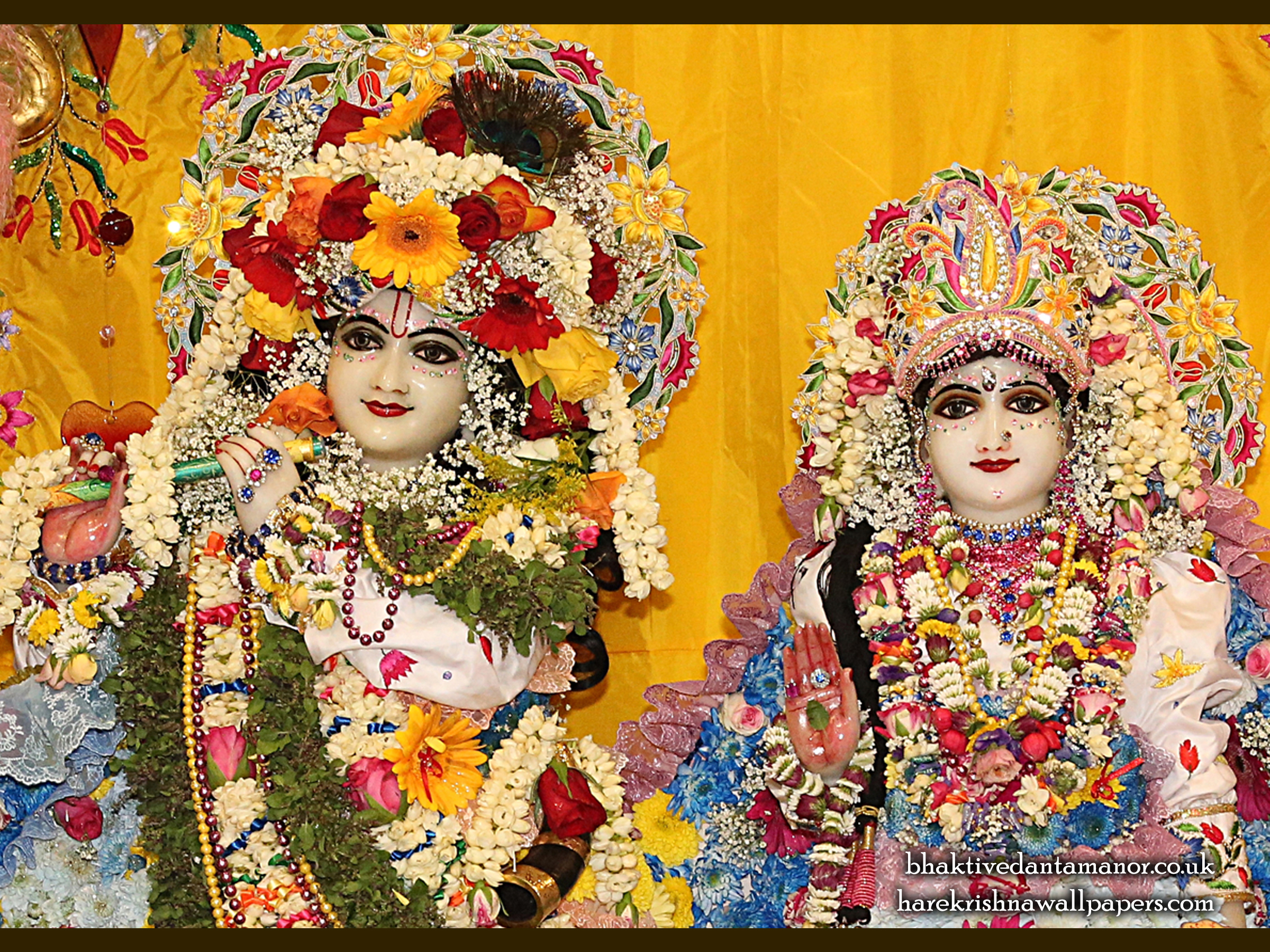 Sri Sri Radha Gokulananda Close up Wallpaper (024) Size 2400x1800 Download