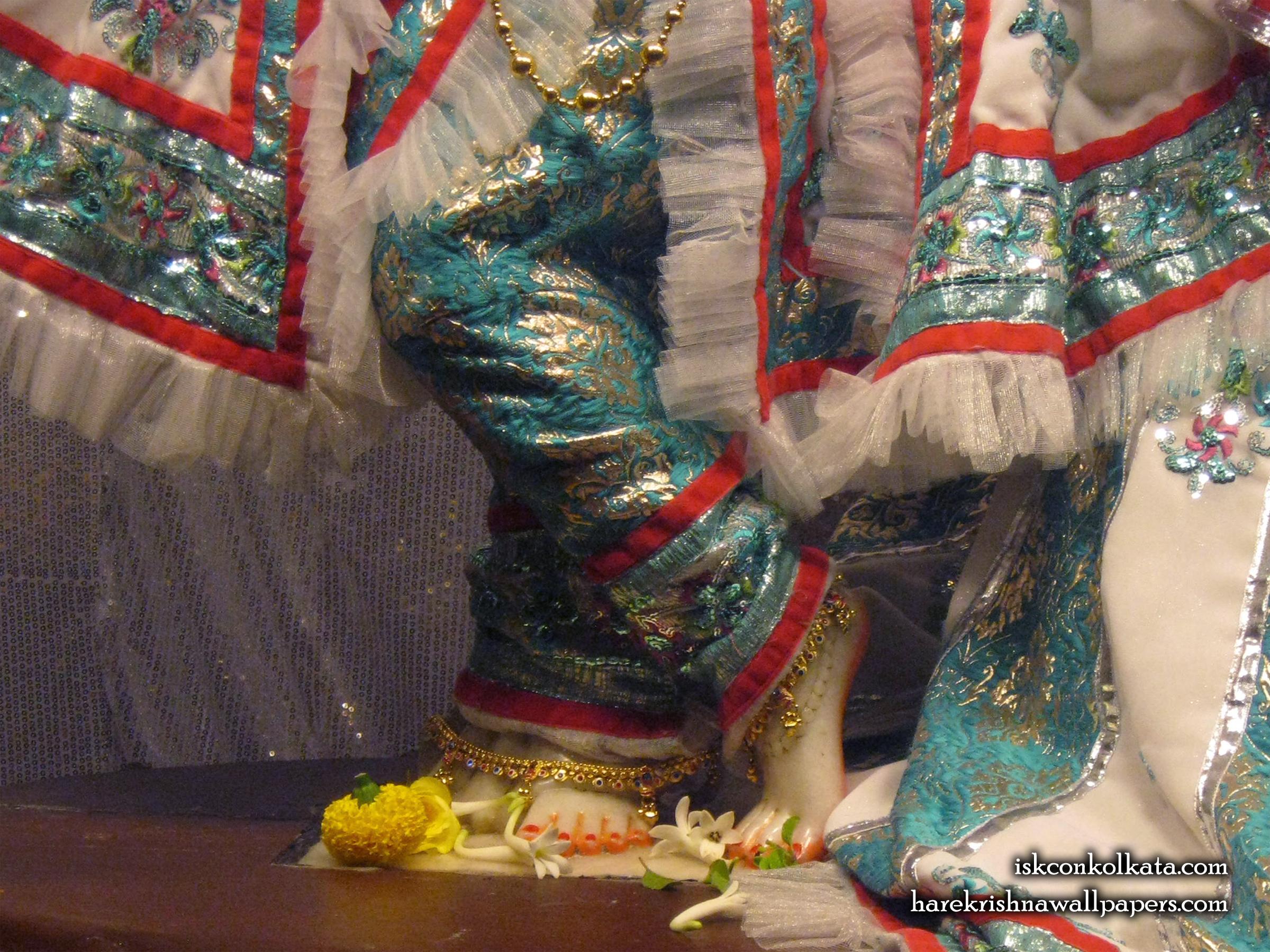 Sri Govinda Feet Wallpaper (001) Size 2400x1800 Download