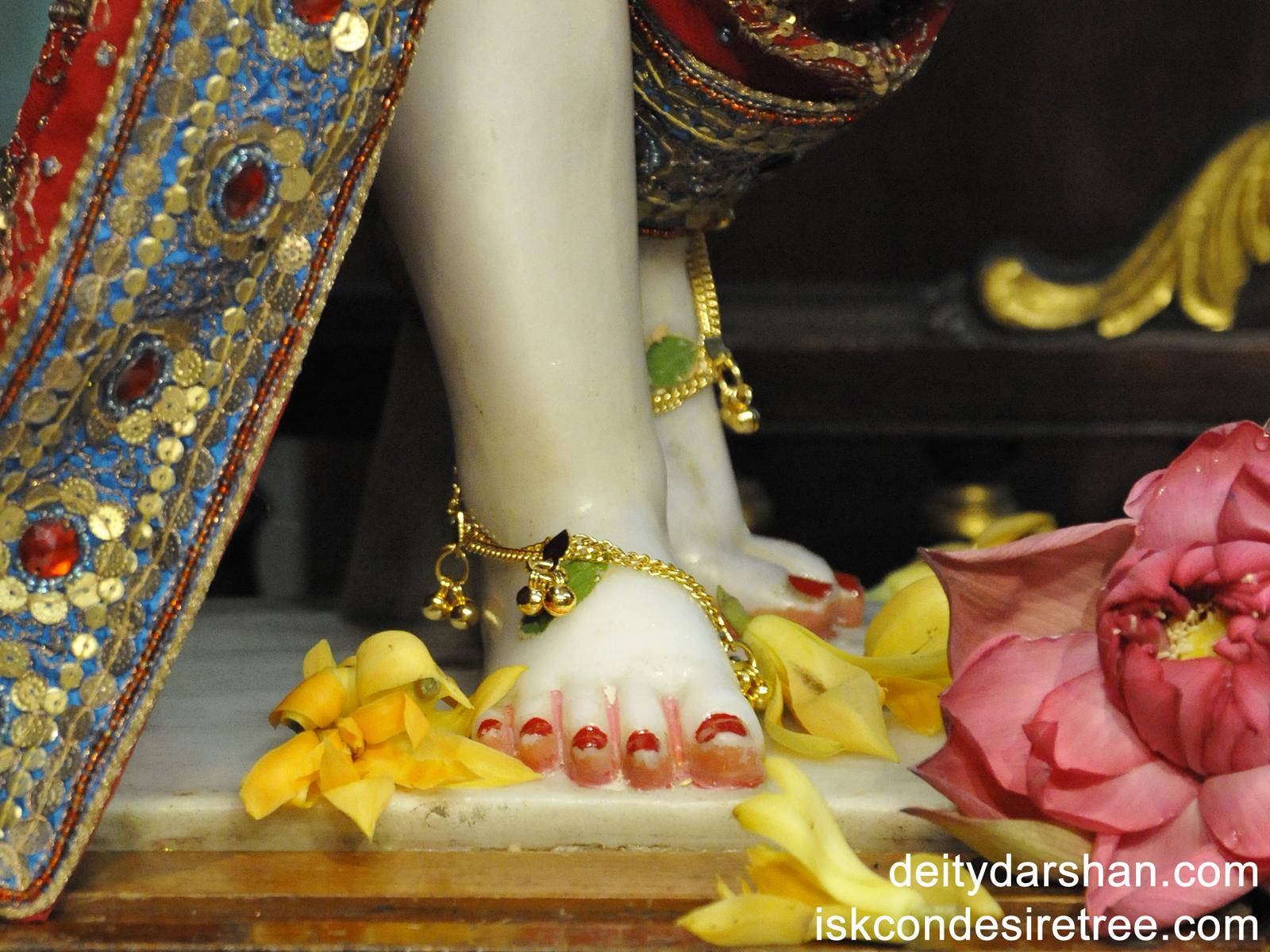 Sri Nitai Feet Wallpaper (001) Size1600x1200 Download