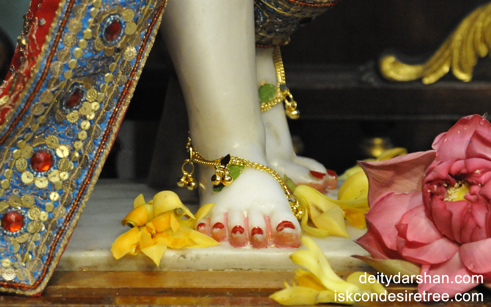 Sri Nitai Feet Wallpaper (001) Size 1680x1050 Download