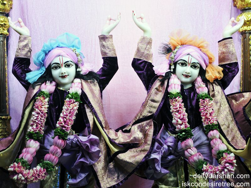 Sri Sri Nitai Gaurachandra Close up Wallpaper (001)