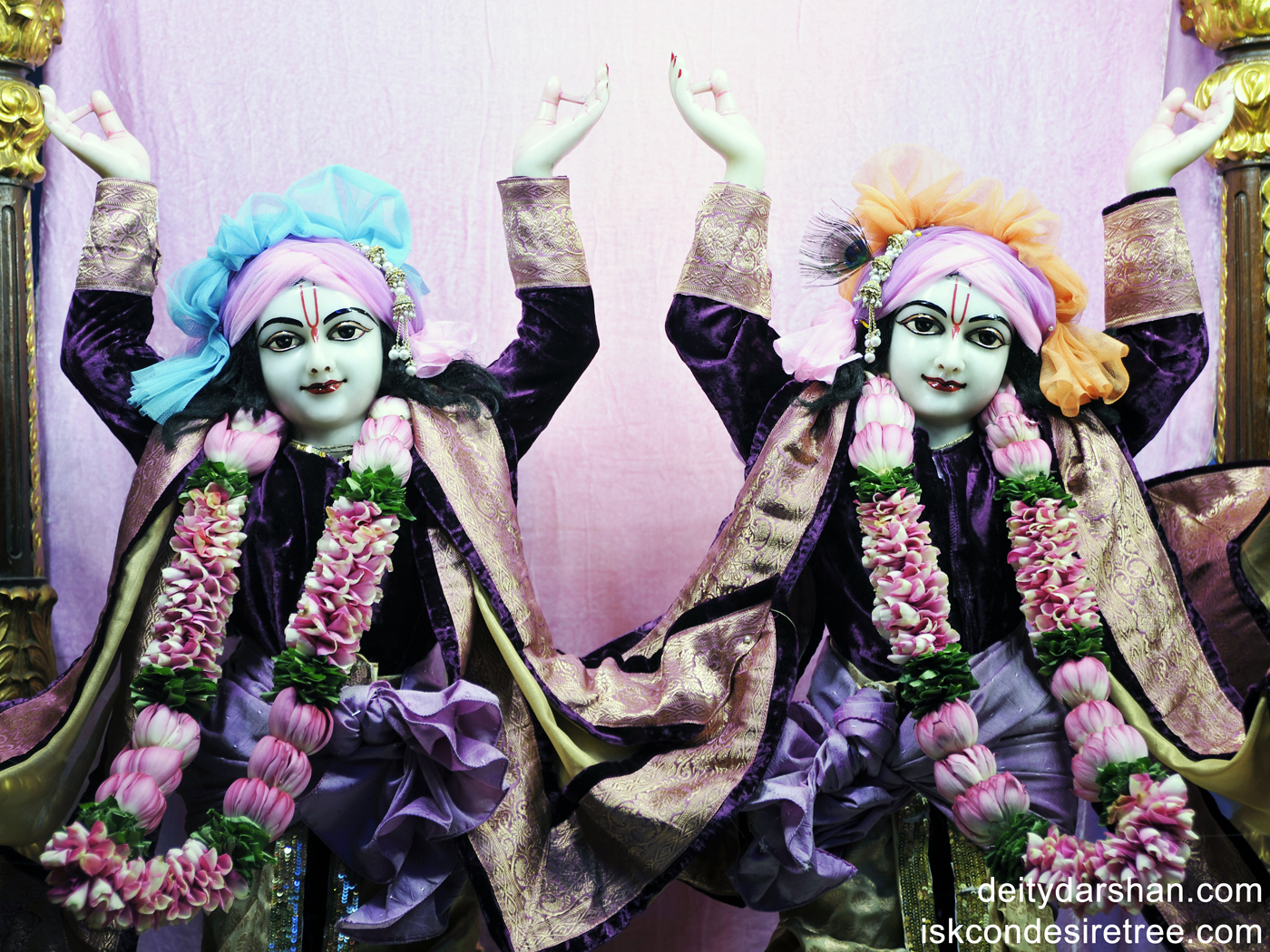 Sri Sri Nitai Gaurachandra Close up Wallpaper (001) Size 1400x1050 Download