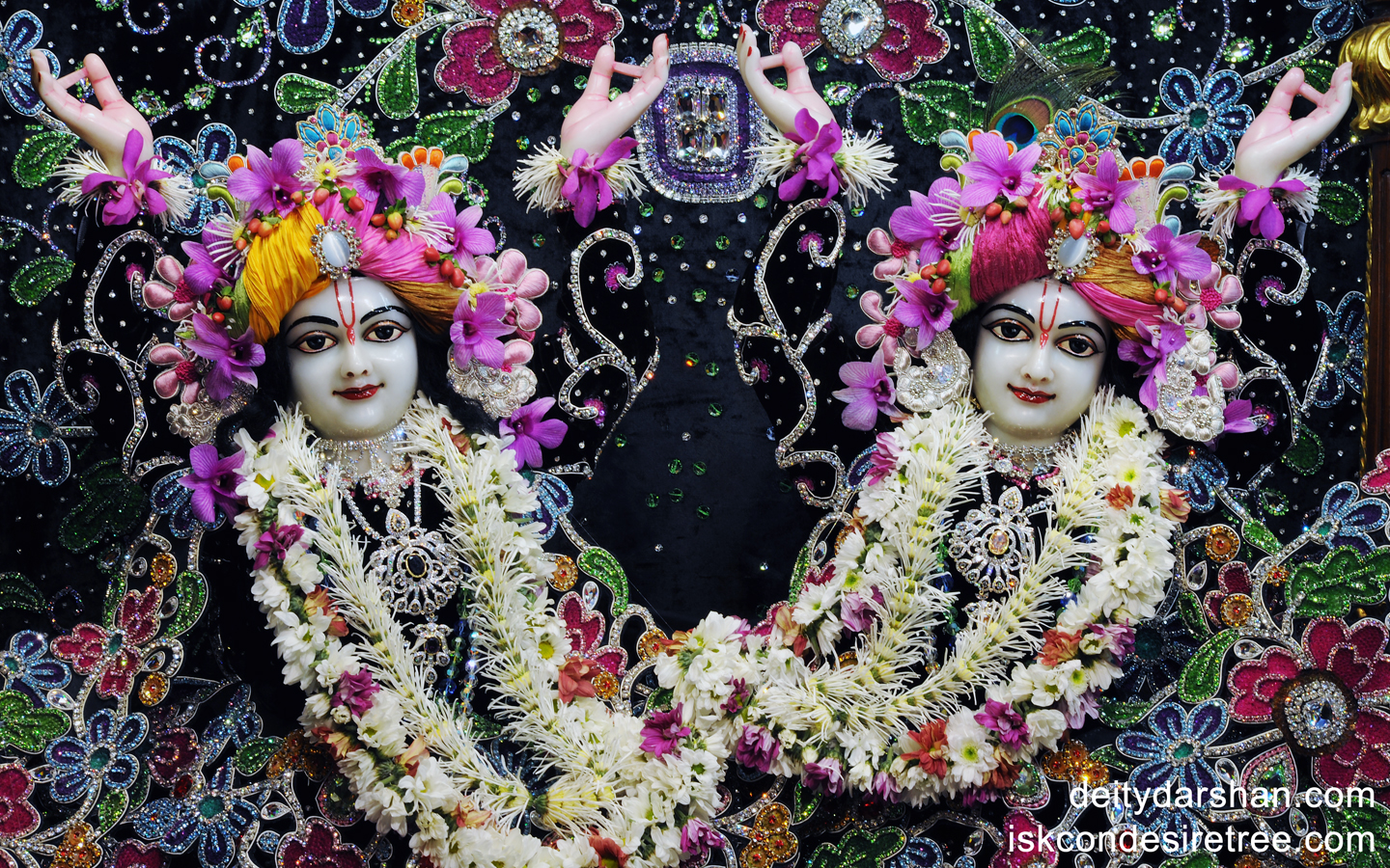Sri Sri Nitai Gaurachandra Close up Wallpaper (003) Size 1440x900 Download