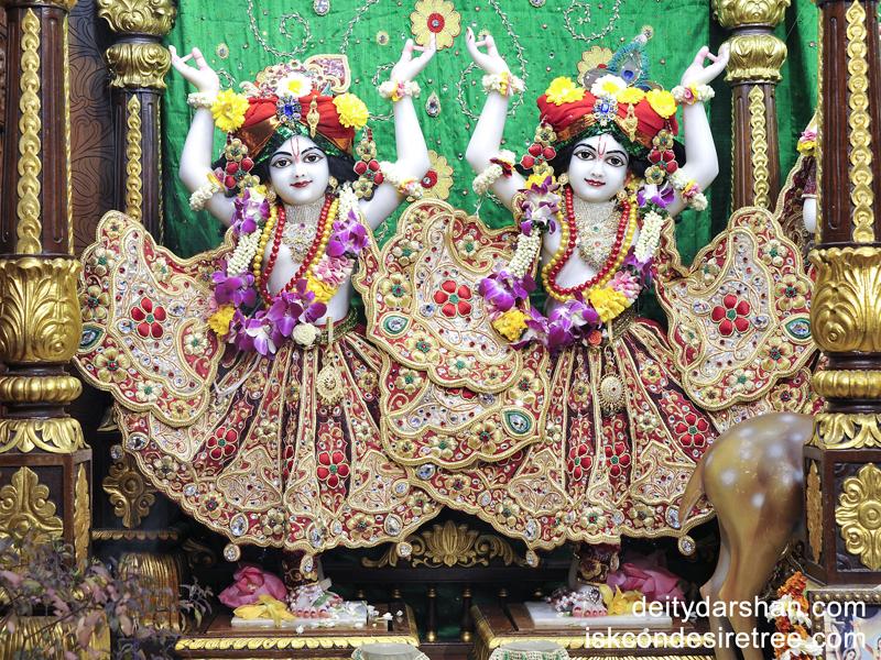 Sri Sri Nitai Gaurachandra Wallpaper (008) Size 800x600 Download