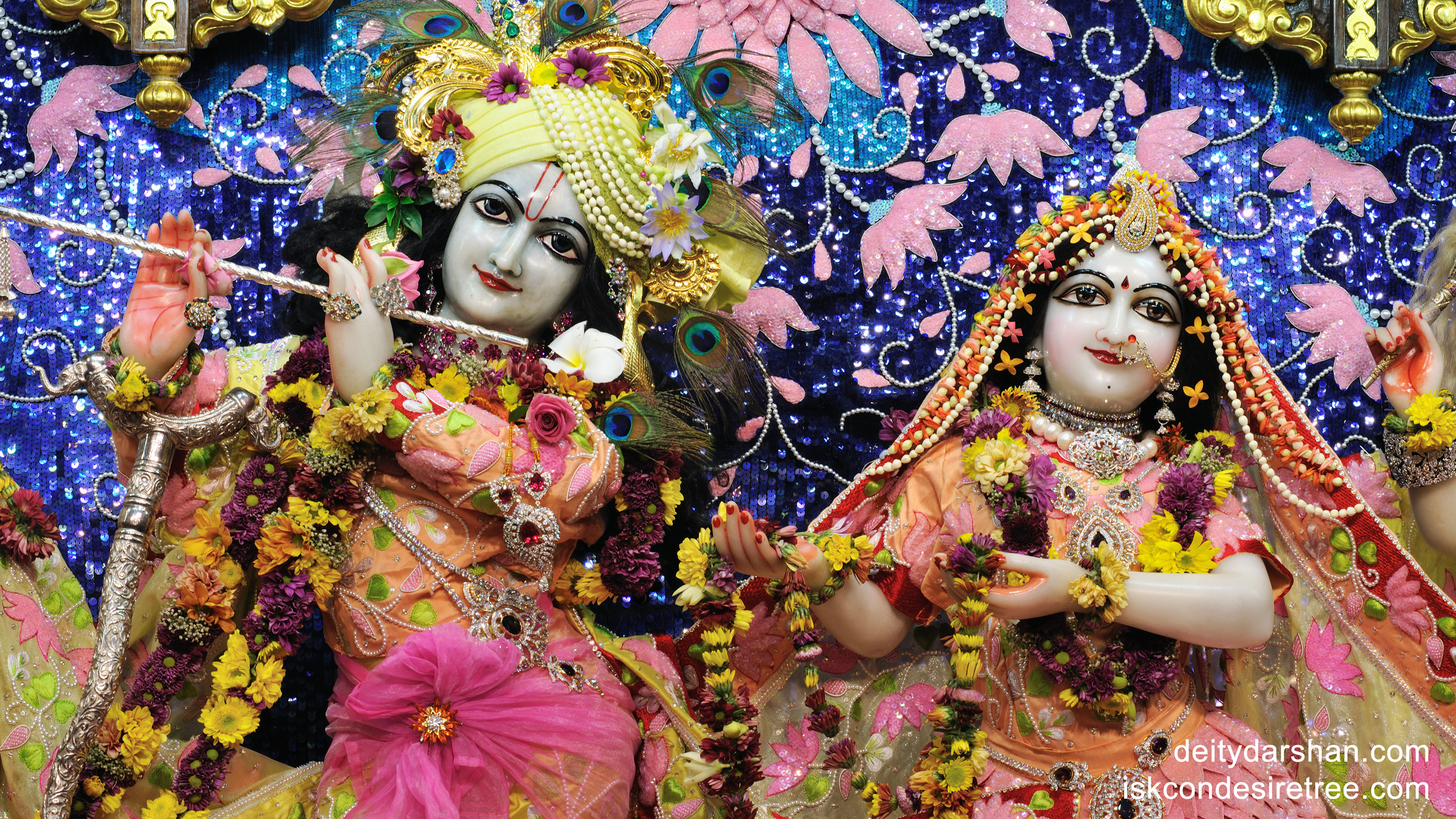 Sri Sri Radha Gopinath Close up Wallpaper (011) Size 2400x1350 Download