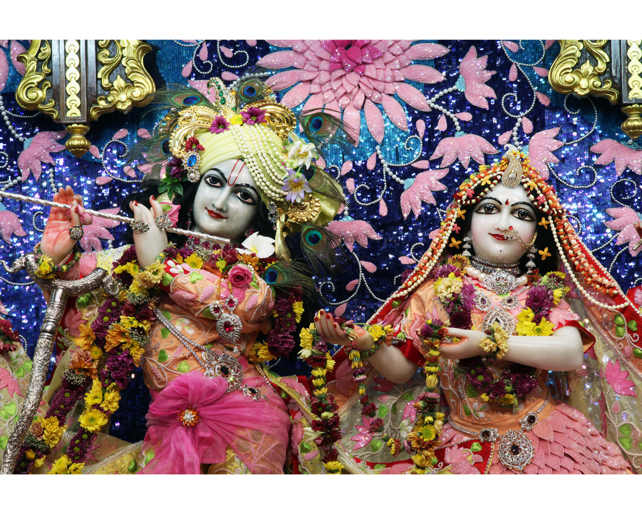 Sri Sri Radha Gopinath Close up Wallpaper (018) Size 1280x1024 Download