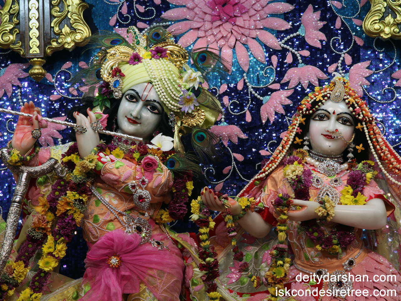 Sri Sri Radha Gopinath Close up Wallpaper (018) Size 1280x960 Download