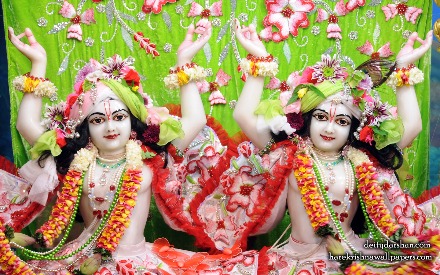 Sri Sri Nitai Gaurachandra Close up Wallpaper (025) Size 1440x900 Download