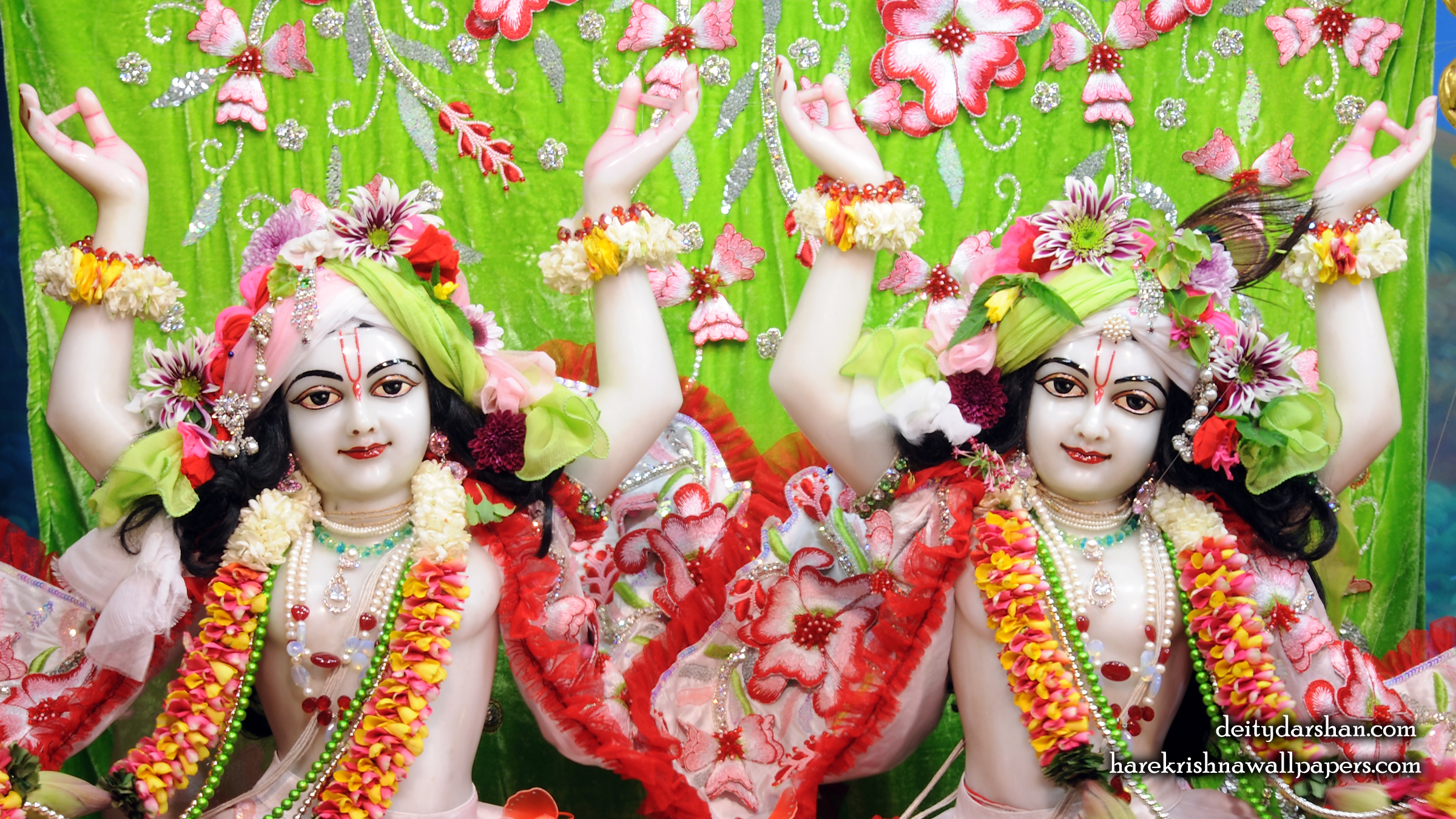 Sri Sri Nitai Gaurachandra Close up Wallpaper (025) Size 2400x1350 Download