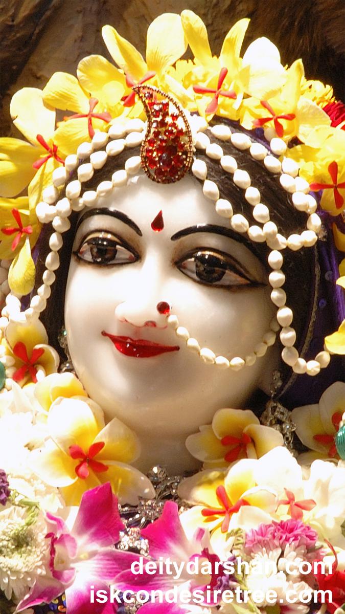Srimati Radharani Close up Wallpaper (036) Size 675x1200 Download
