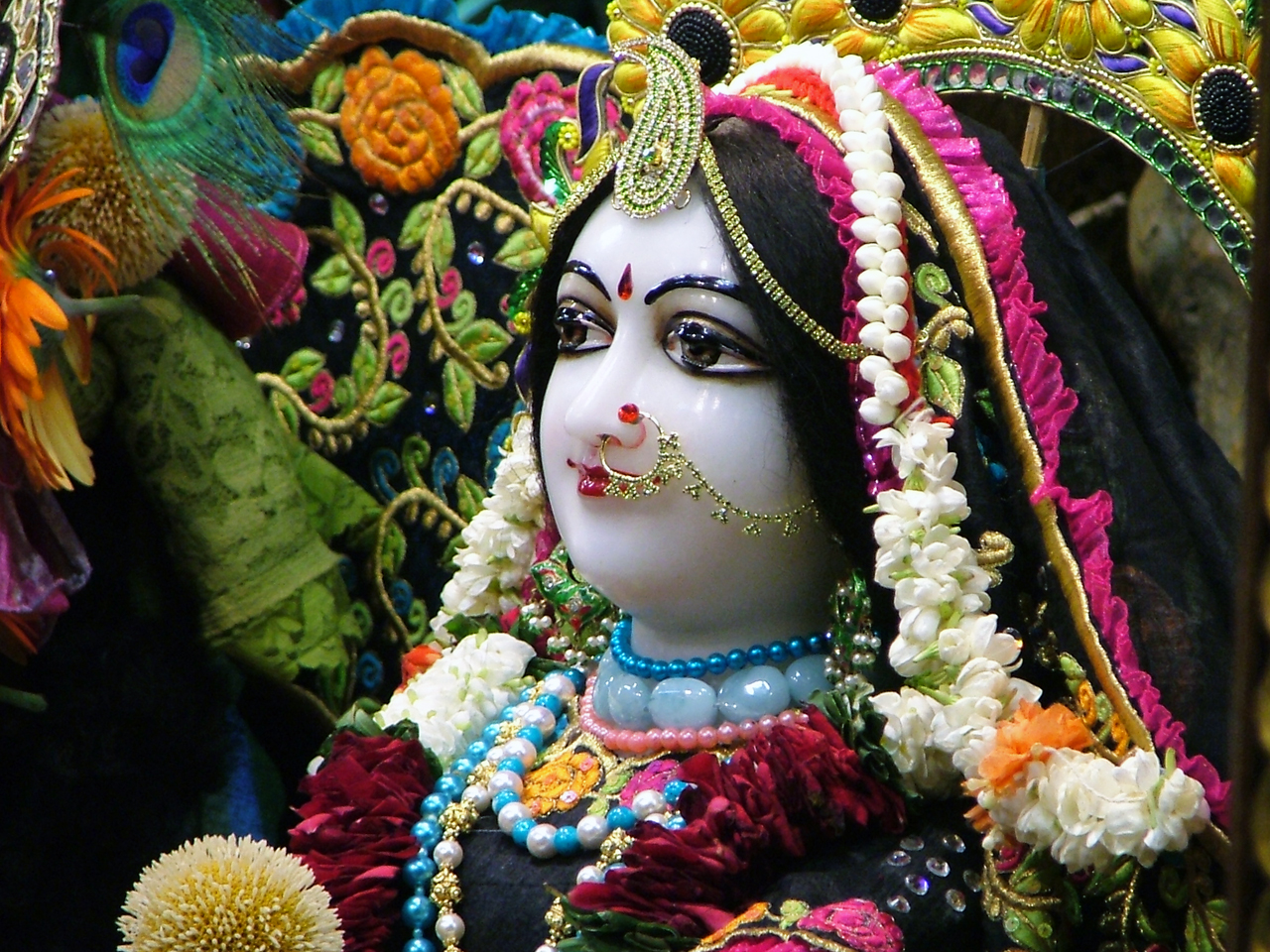 Srimati Radharani Close up Wallpaper (040) Size 1280x960 Download
