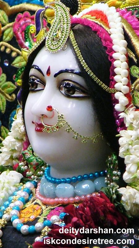 Srimati Radharani Close up Wallpaper (040) Size 450x800 Download