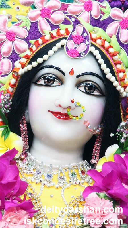 Srimati Radharani Close up Wallpaper (054) Size 450x800 Download