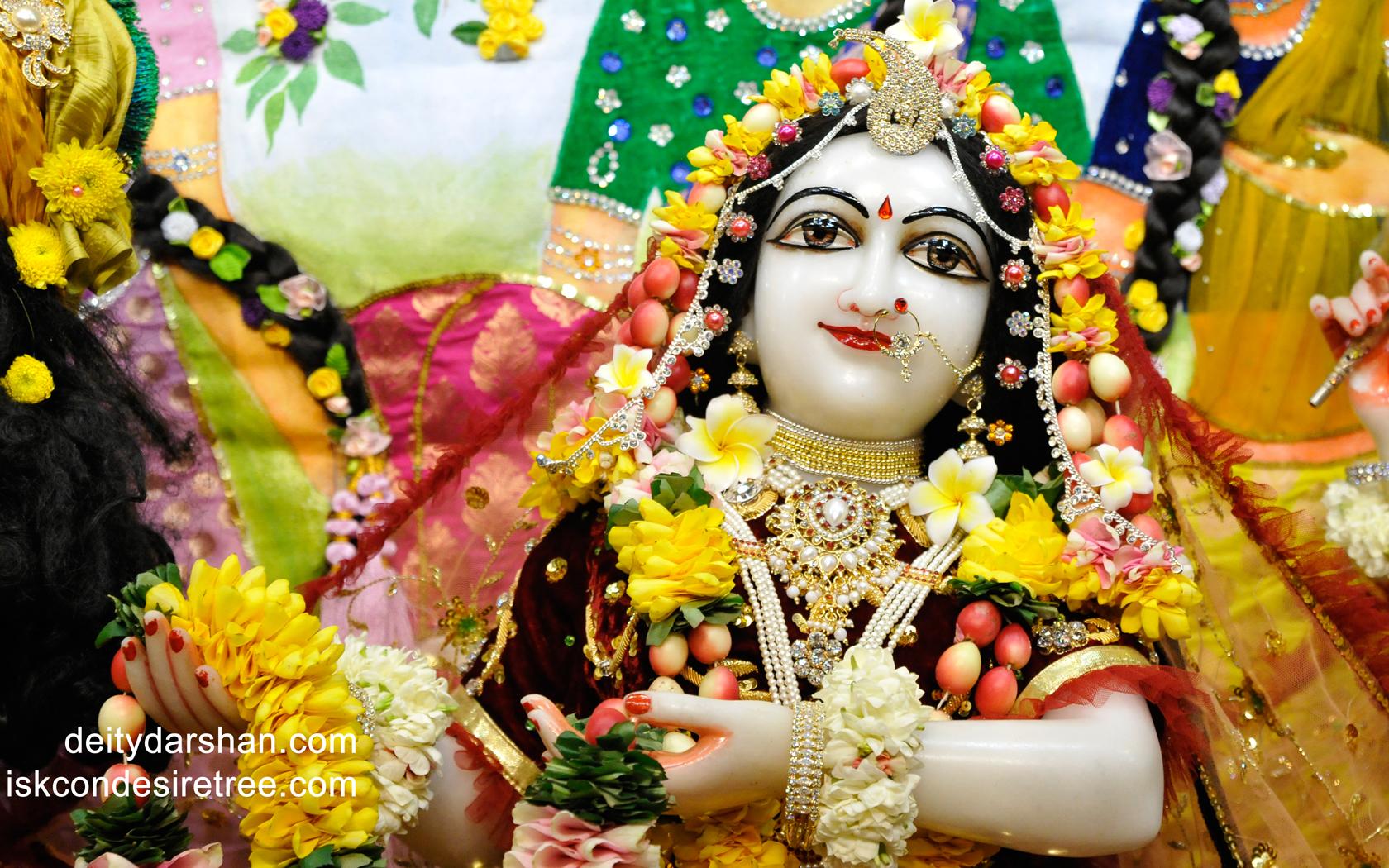 Srimati Radharani Close up Wallpaper (065) Size 1680x1050 Download