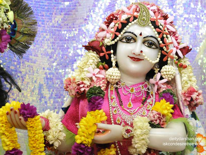 Srimati Radharani Close up Wallpaper (073)