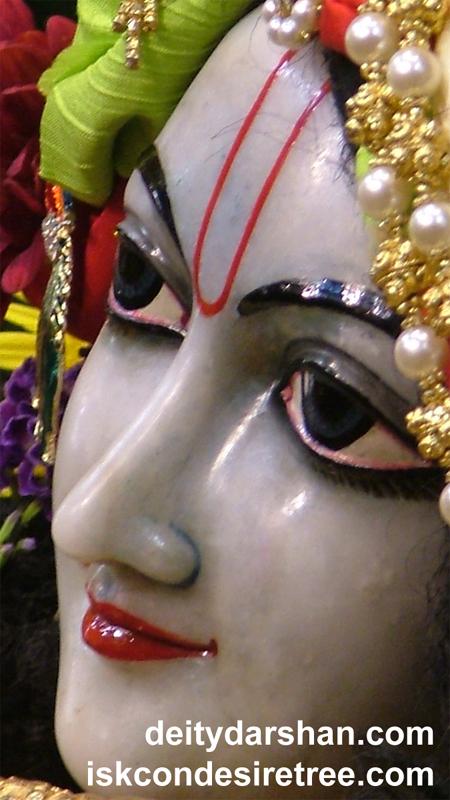 Sri Gopinath Close up Wallpaper (097) Size 450x800 Download