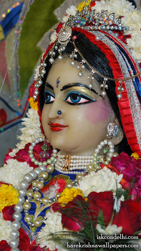 Sri Radha Close up Wallpaper (001) Size 450x800 Download