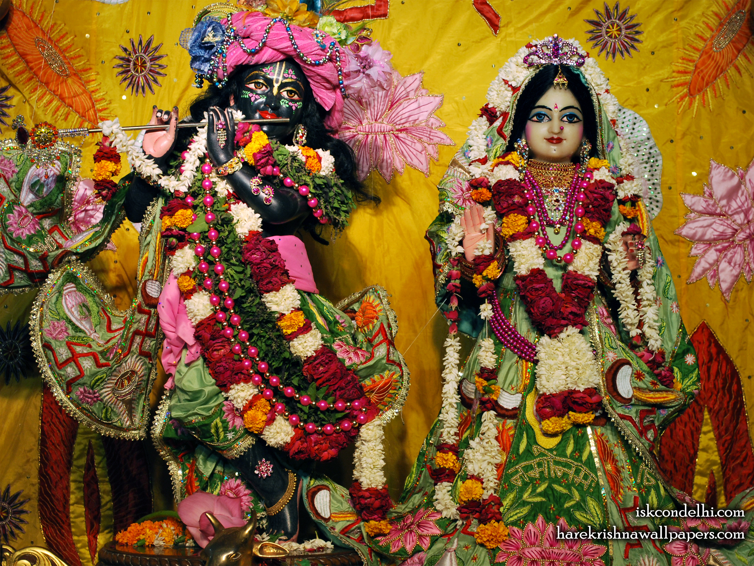Sri Sri Radha Parthasarathi Wallpaper (003) Size 2400x1800 Download