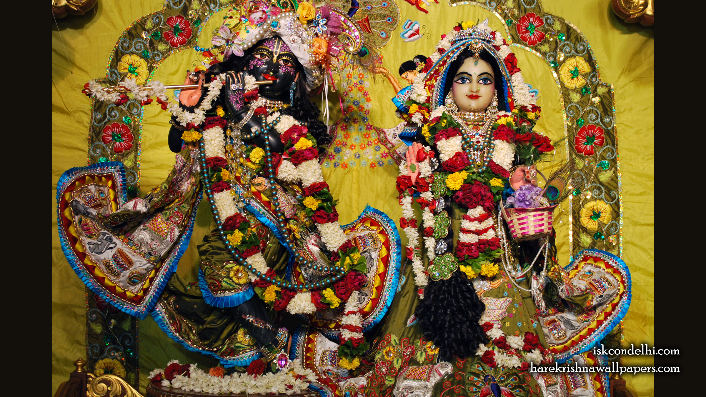 Sri Sri Radha Parthasarathi Wallpaper (007) Size 2400x1350 Download