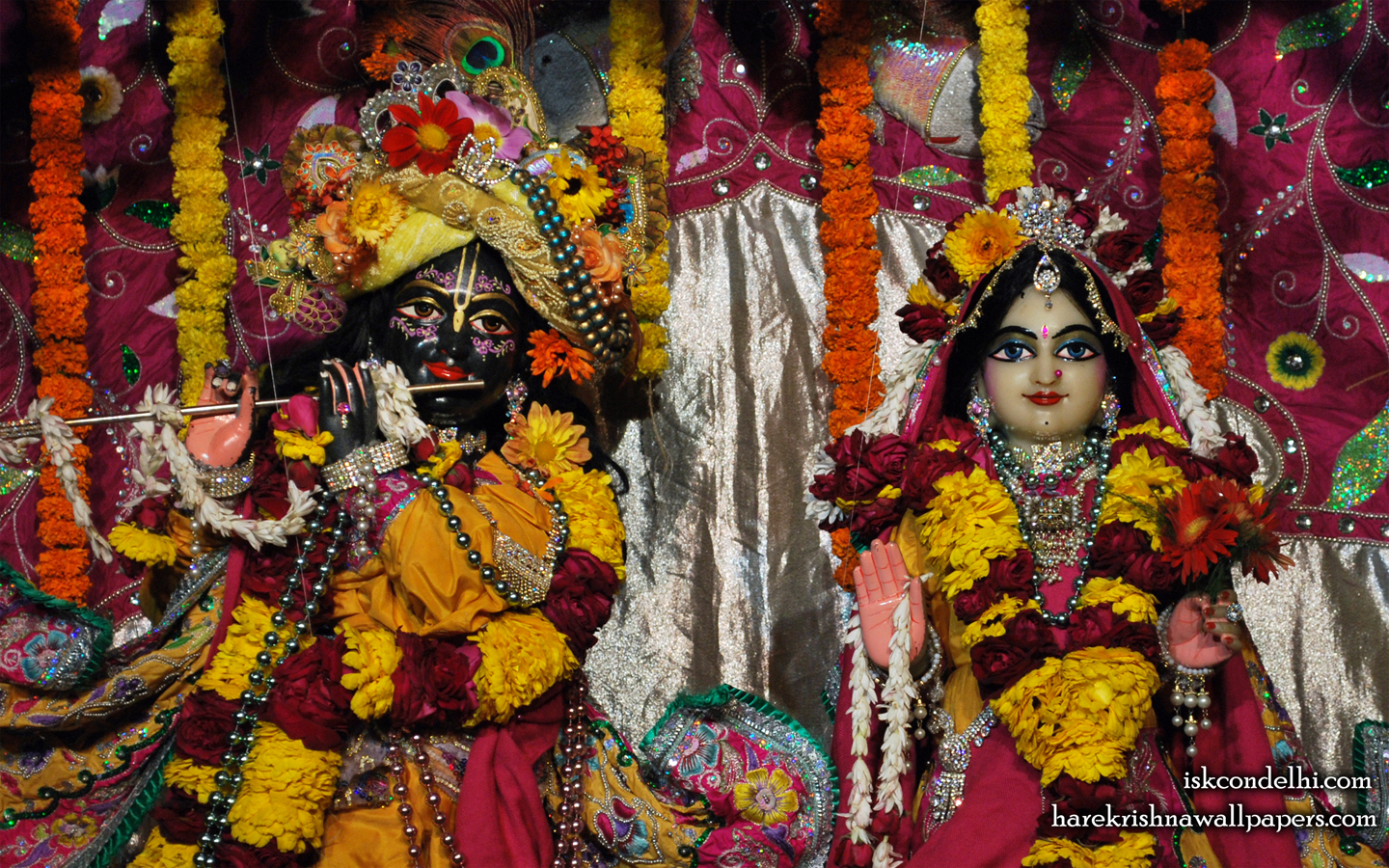 Sri Sri Radha Parthasarathi Close up Wallpaper (007) Size 1440x900 Download