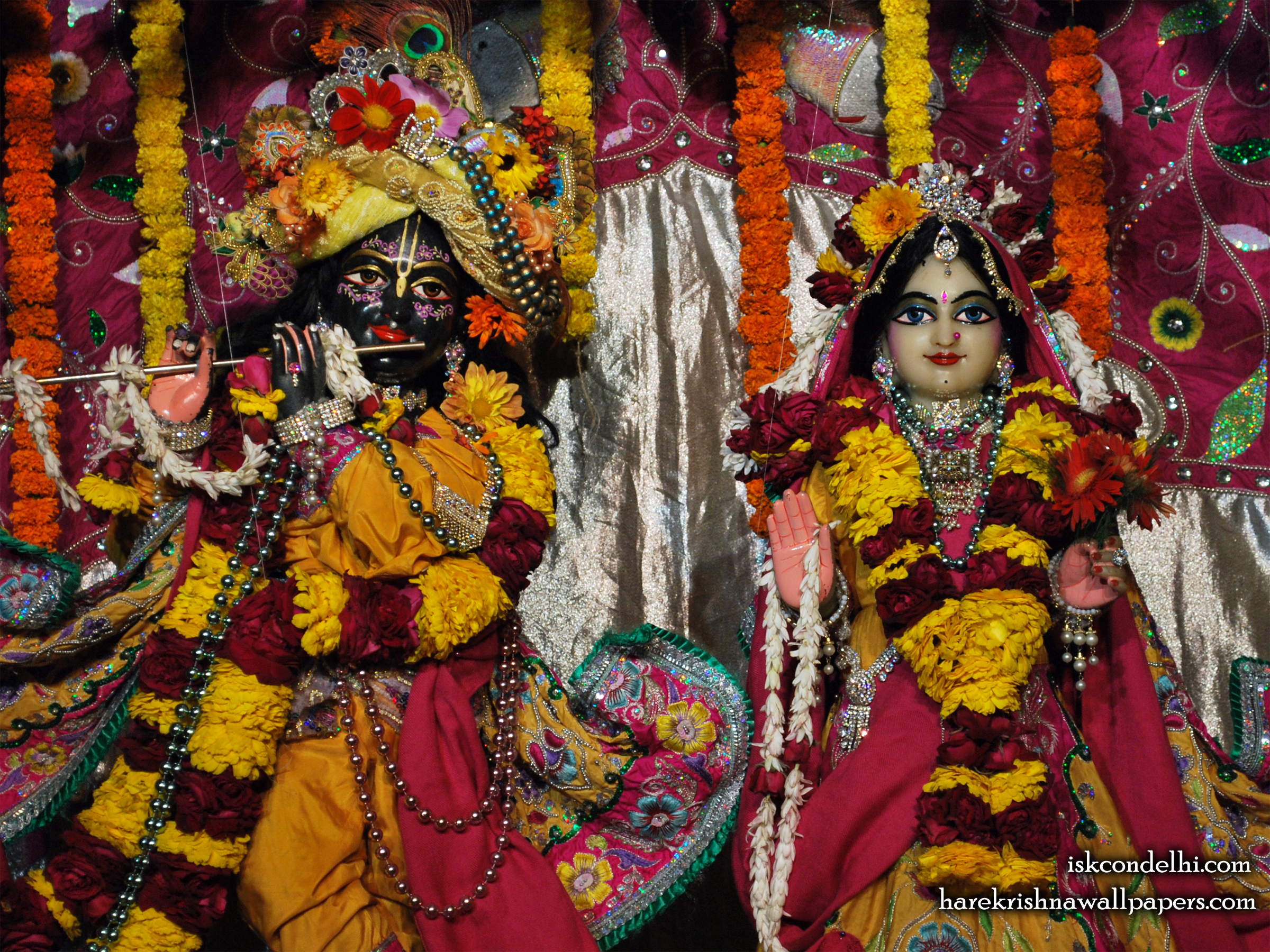 Sri Sri Radha Parthasarathi Close up Wallpaper (007) Size 2400x1800 Download
