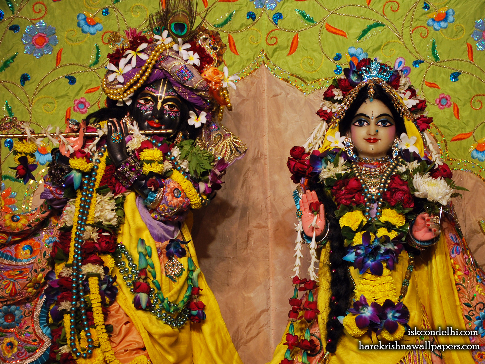 Sri Sri Radha Parthasarathi Close up Wallpaper (008) Size1600x1200 Download