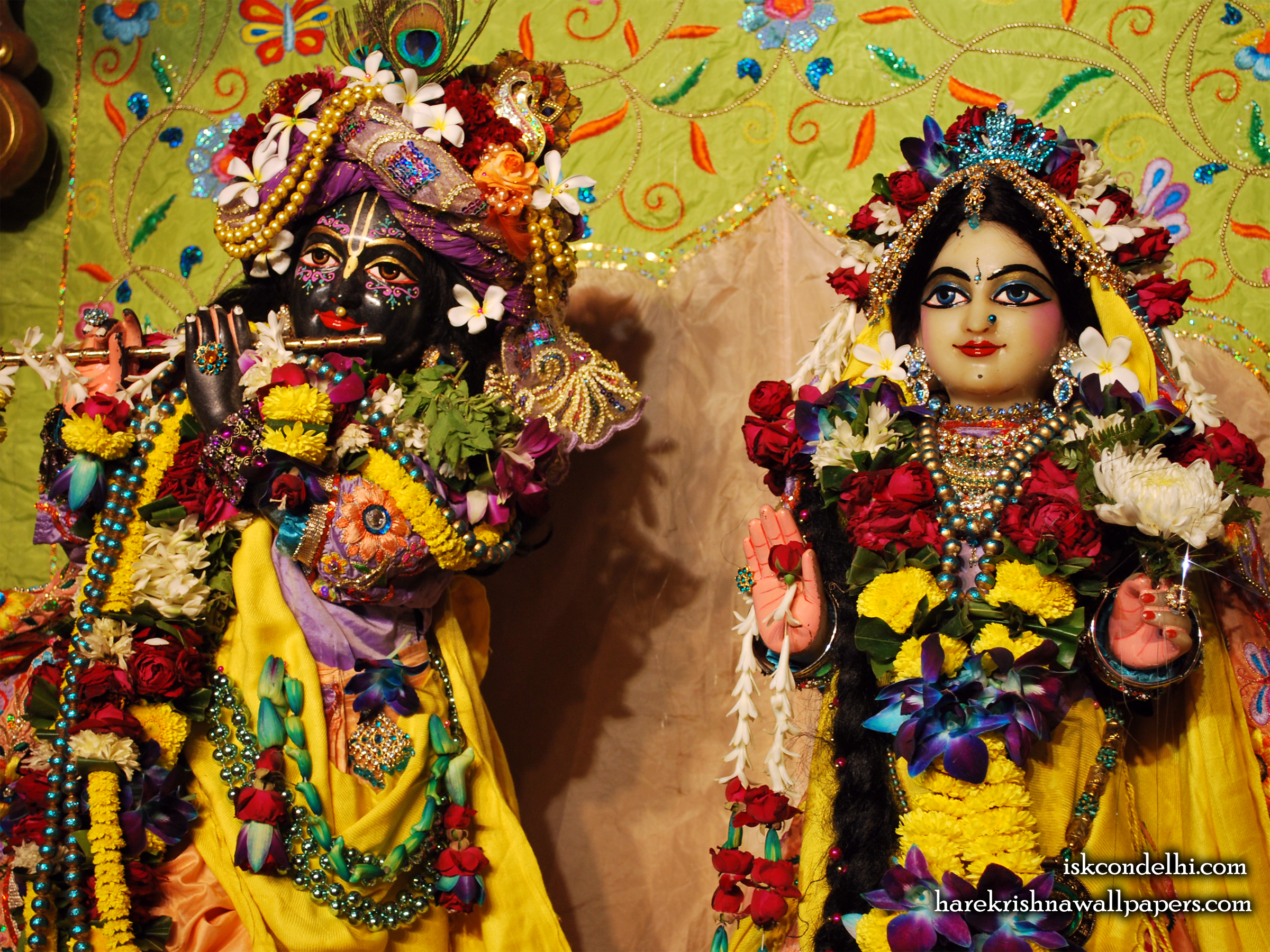 Sri Sri Radha Parthasarathi Close up Wallpaper (015) Size 2400x1800 Download