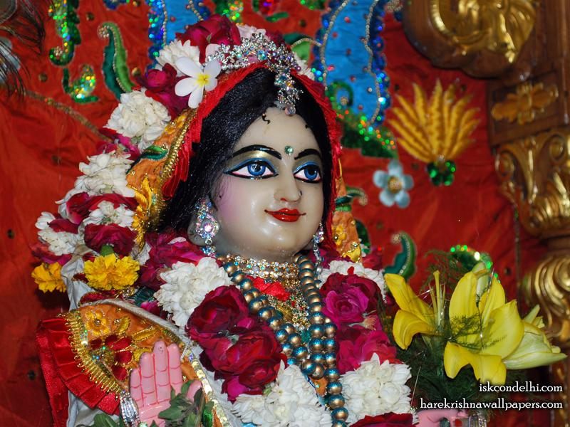Sri Radha Close up Wallpaper (023)