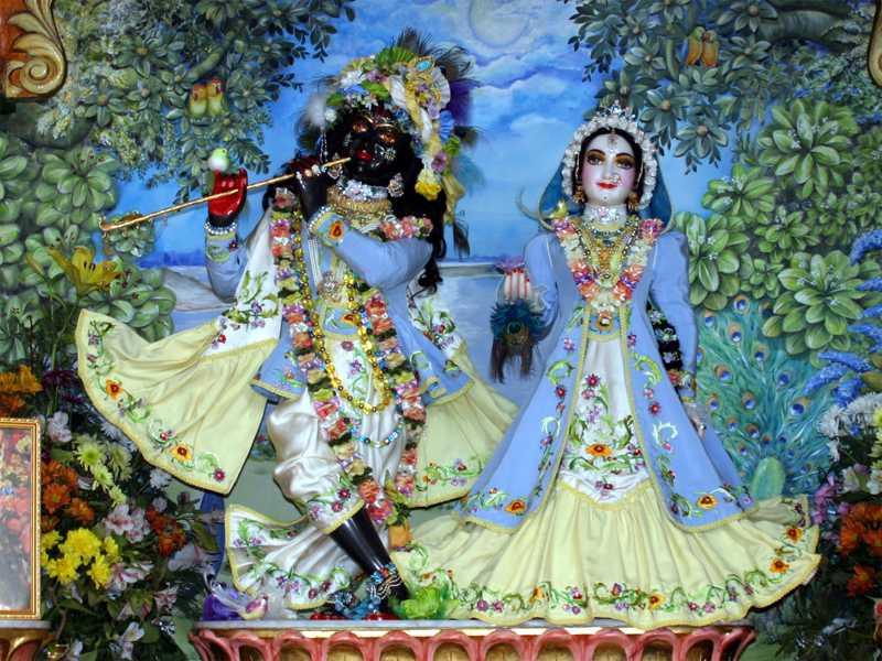 Sri Sri Radha Shyamsundar Wallpaper (027)