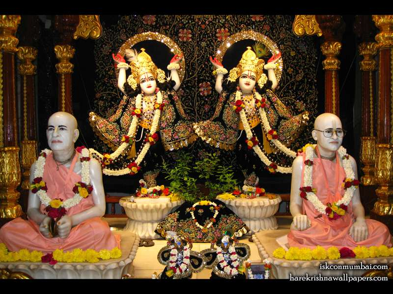 Sri Sri Gaura Nitai with Acharyas Wallpaper (001)