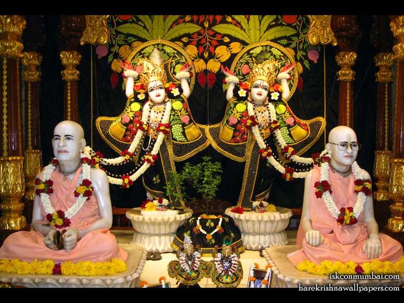 Sri Sri Gaura Nitai with Acharyas Wallpaper (009)