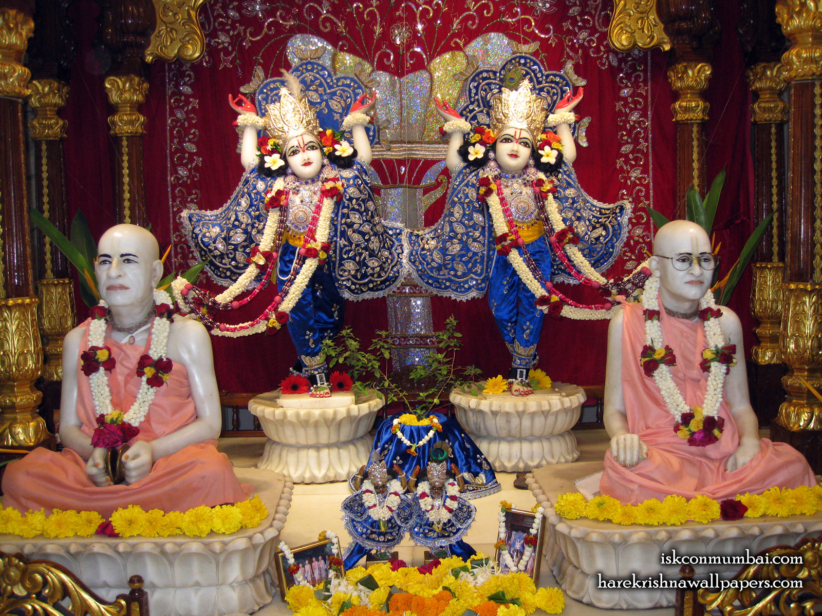 Sri Sri Gaura Nitai With Acharyas Wallpaper (017) Size1600x1200 Download