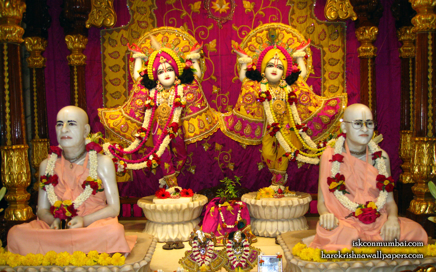 Sri Sri Gaura Nitai With Acharyas Wallpaper (018) Size 1440x900 Download