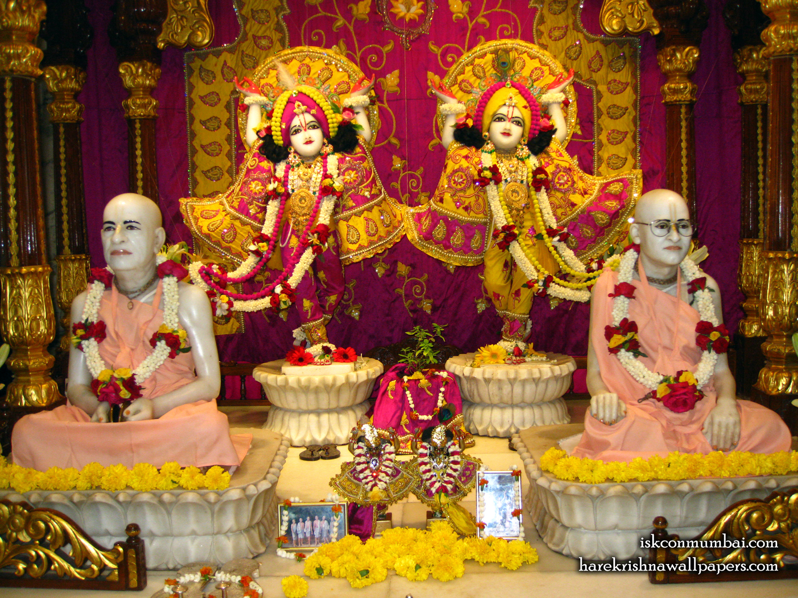 Sri Sri Gaura Nitai With Acharyas Wallpaper (018) Size1600x1200 Download