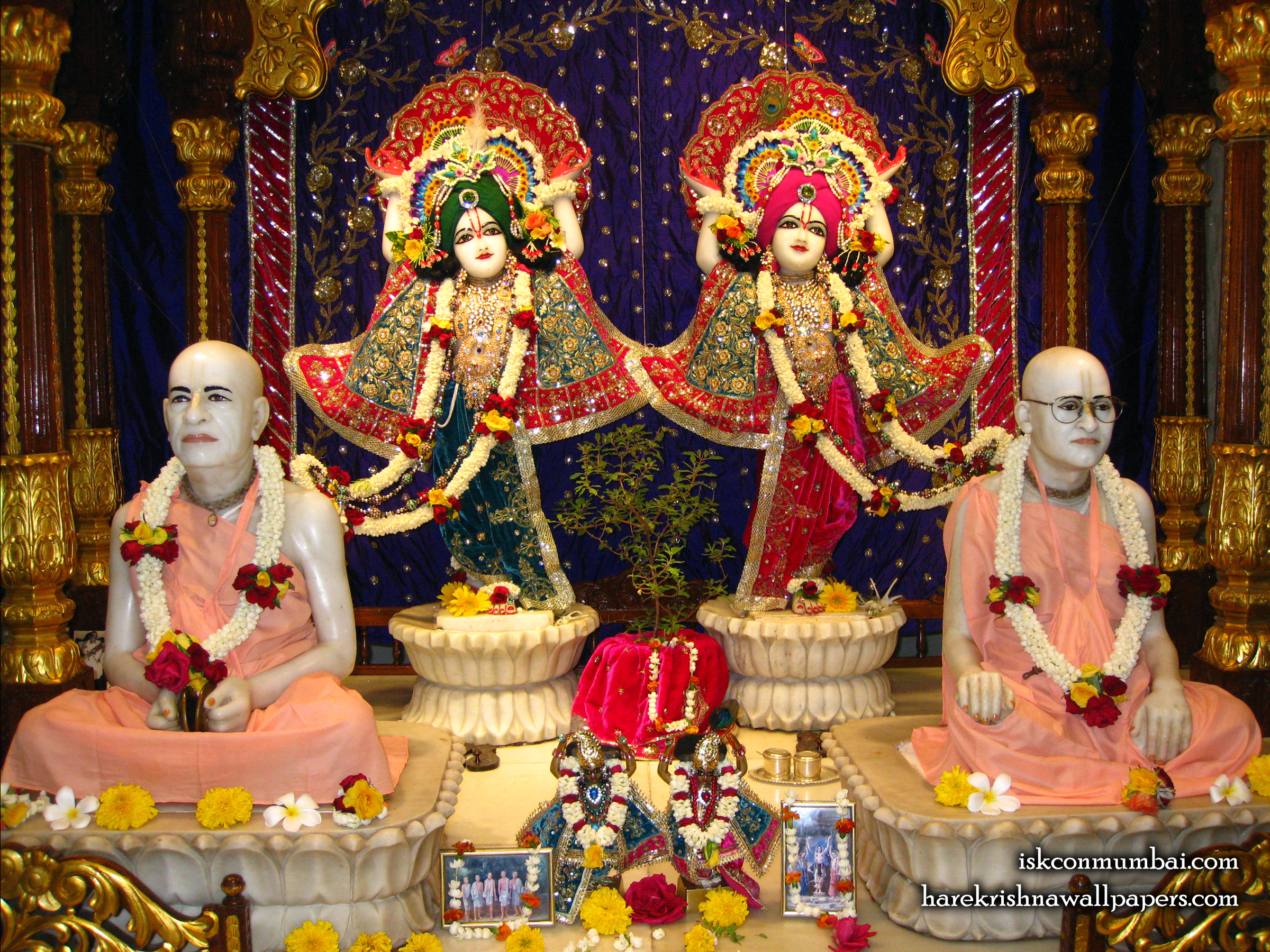 Sri Sri Gaura Nitai With Acharyas Wallpaper (019) Size 2400x1800 Download