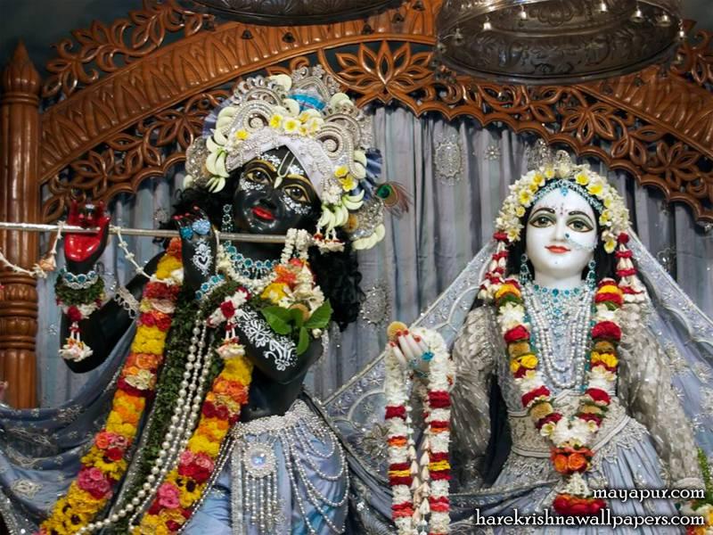 Sri Radha Madhava Close up (003)