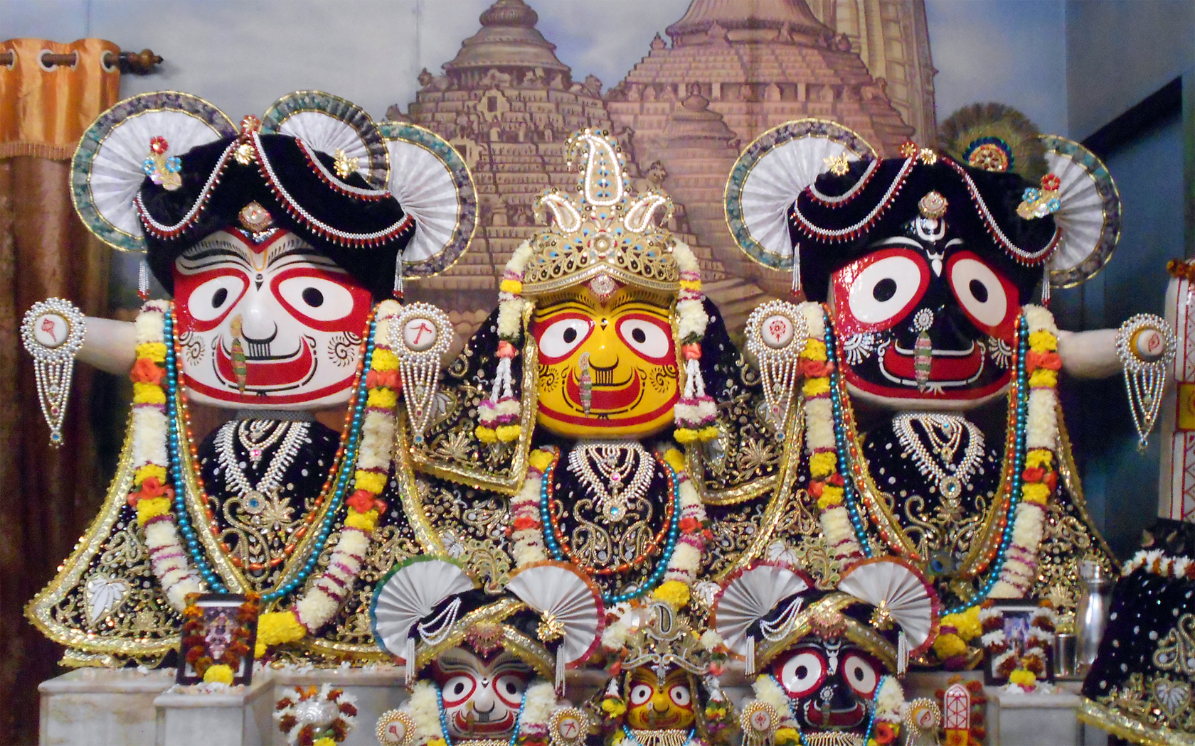 Jagannath Baladeva Subhadra Wallpaper (002) Size 1680x1050 Download