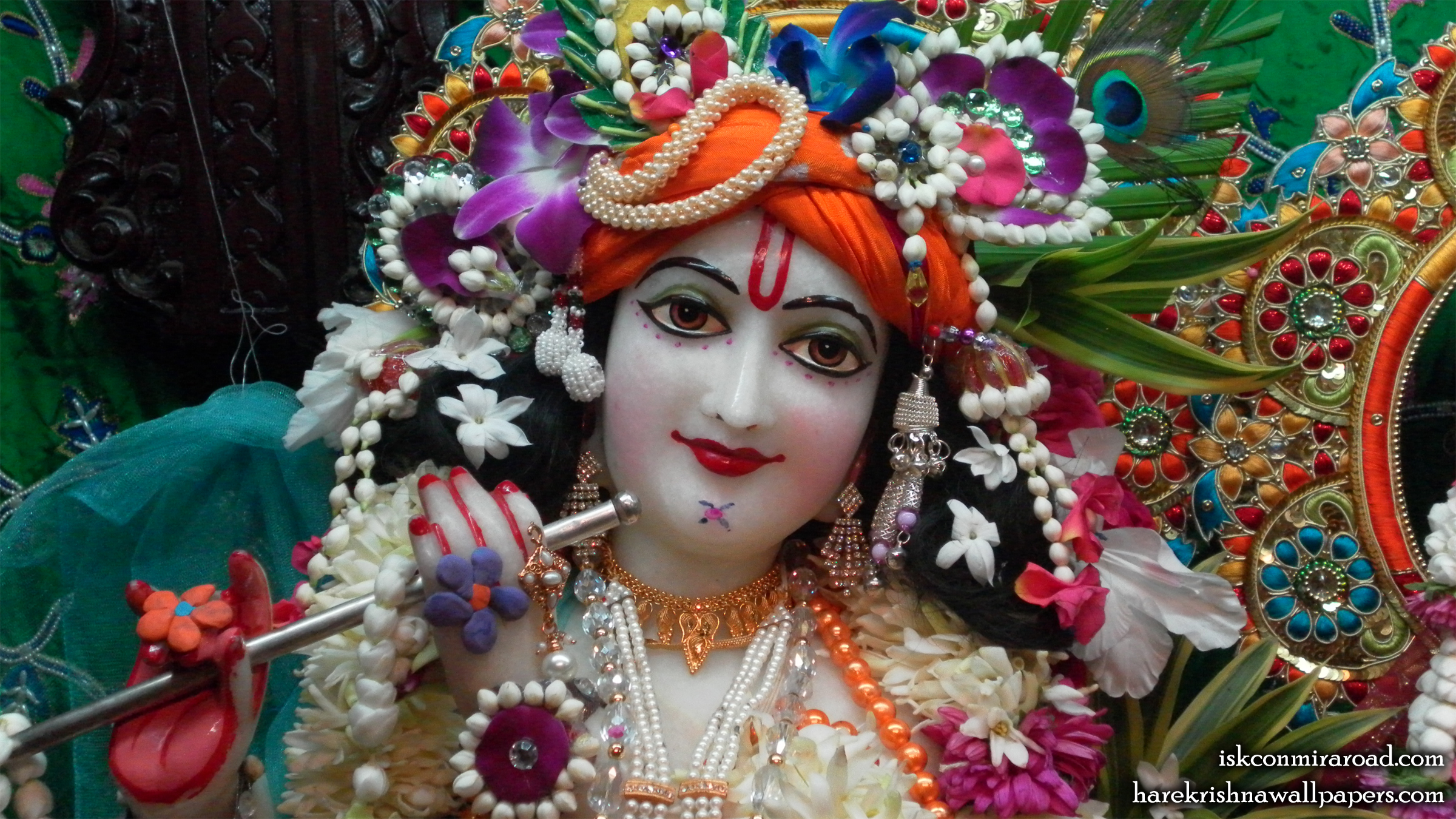 Sri Giridhari Close up Wallpaper (005) Size 2400x1350 Download