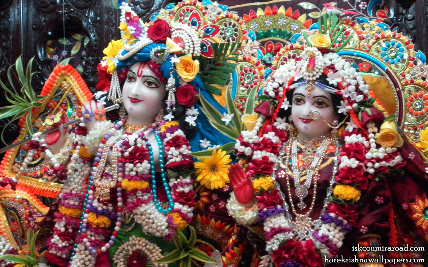 Sri Sri Radha Giridhari Close up Wallpaper (008) Size 1440x900 Download