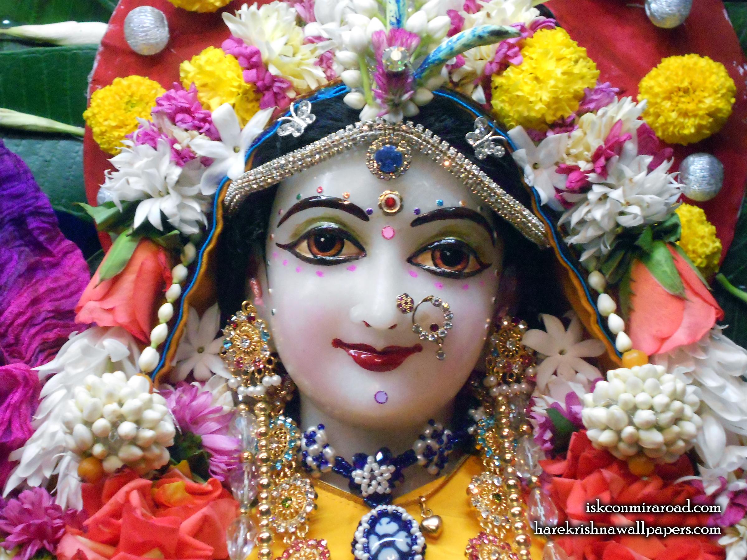 Sri Radha Close up Wallpaper (009) Size 2400x1800 Download