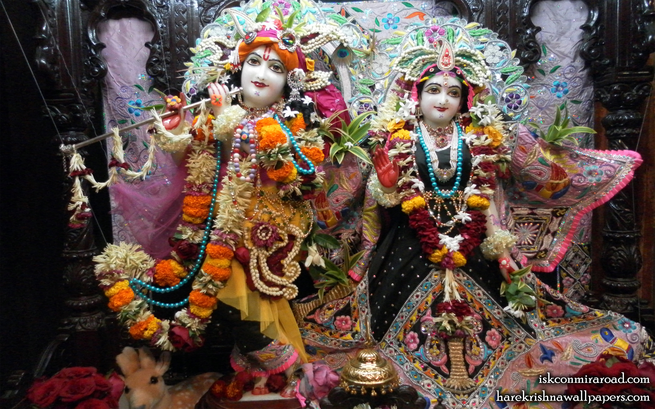 Sri Sri Radha Giridhari Wallpaper (009) Size 2560x1600 Download